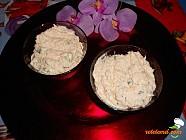 Salata de primavara cu ridichie si sos alb