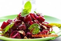 File de şalău cu salată de sfeclă roşie