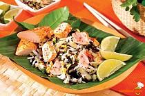 Salată de orez cu legume şi pui