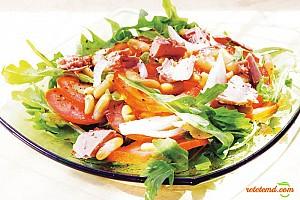 Salată cu fasole şi şuncă