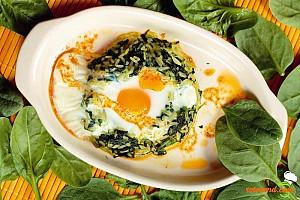 Spanac cu orez şi ouă la capac