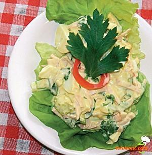 Salată de ouă cu şuncă
