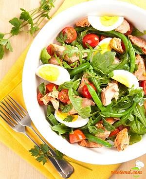 Salată de peşte cu fasole şi cocos