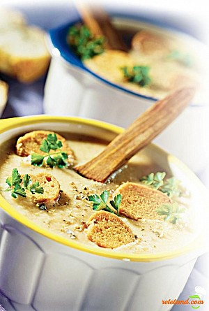 Supă cu crutoane