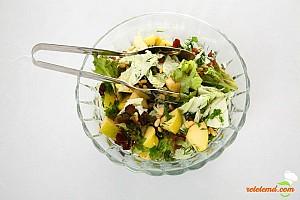Salată cu pui şi porumb