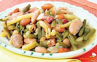 Salată de fasole verde şi uscată